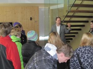 Schulführung Energiehauspark 3, LED Beleuchtung Passivhaus , Solranlage, Röhrenkollektor, Wärmepumpe, Haus Finanzierung günstig